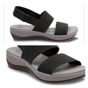 Clark's Atlanta Jackory Black sandals.